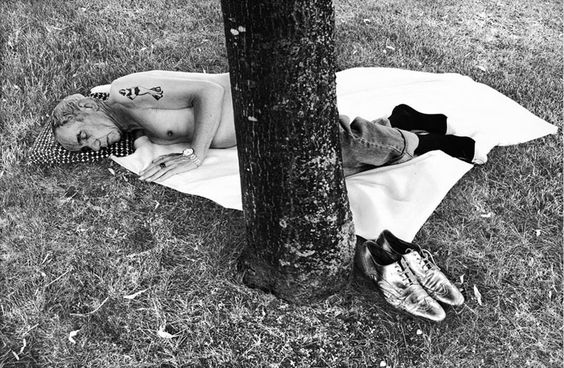 Looking for the Masters in Ricardo's Golden Shoes #46 (Tribute to Robert FRANK):