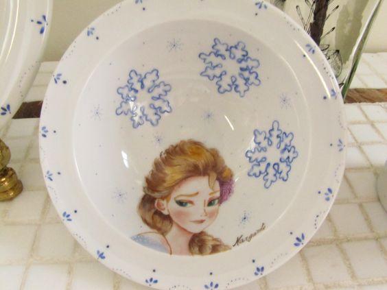 Tigela em porcelana pintada à mão