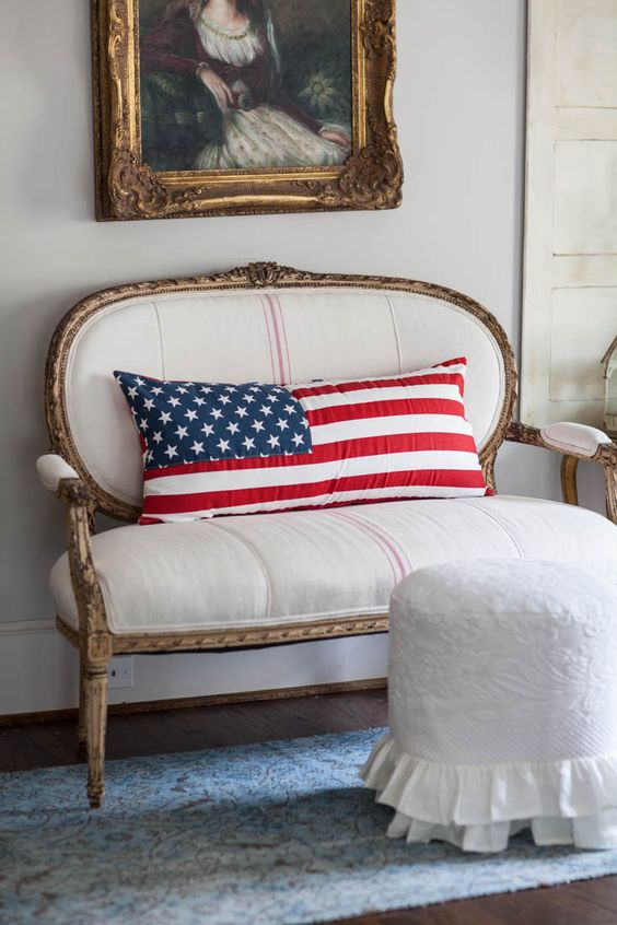Decorating with Stars and Stripes - Cedar Hill Farmhouse #countryfrench #frenchcottage #romanticcottage #romanticstyle #frenchcountrystyle