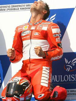 Vencedor Loris Capirossi
