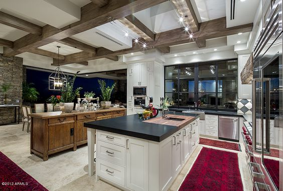 Little splash of color in the kitchen. - Your Discount Realtor Source - www.myagentsearch.com: