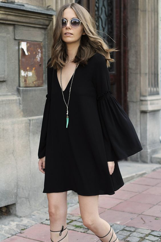 Fashion and style: Bell sleeve dress: