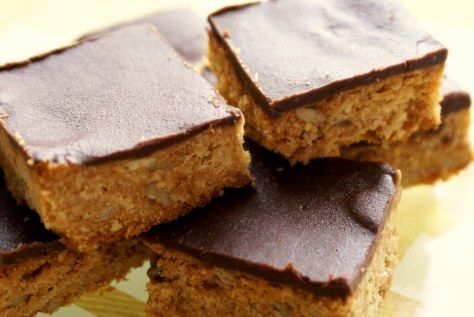 Peanut Butter and Oat Slice