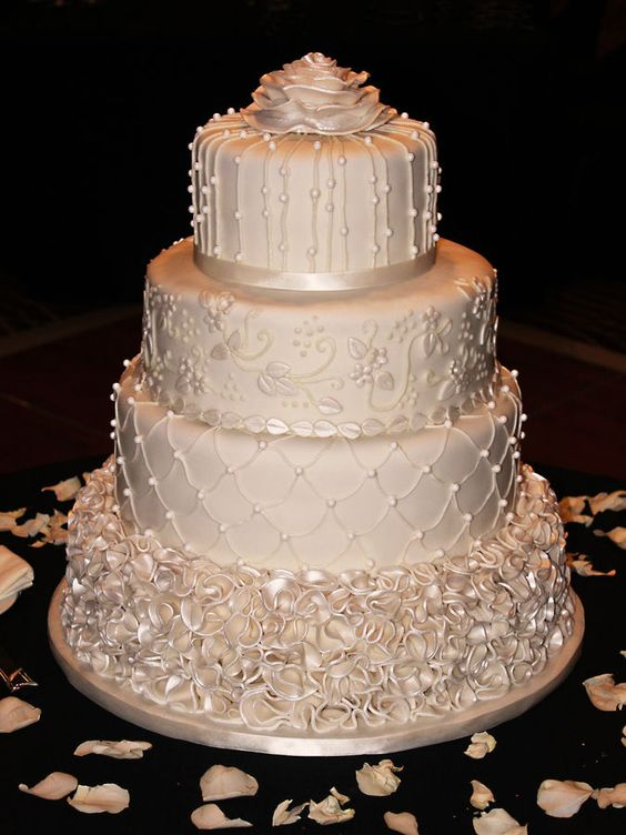 wedding cakes with roses and pearls wedding cake roses pearl wedding cakes and ivory pearl on 26108