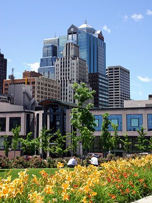 Downtown Kansas City, Missouri. Our 16 Top Attractions in Kansas City http://www.midwestliving.com/travel/destination/missouri/kansas-city-attractions/