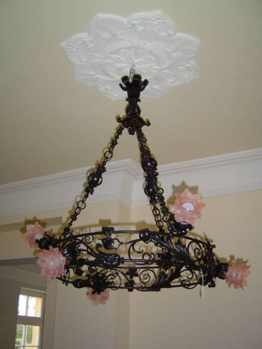 Wie Antike Lampen Ihr Zuhause Zu Etwas Besonderem Machen Beste Decordiyhome Com Ceiling Lights Decor Chandelier