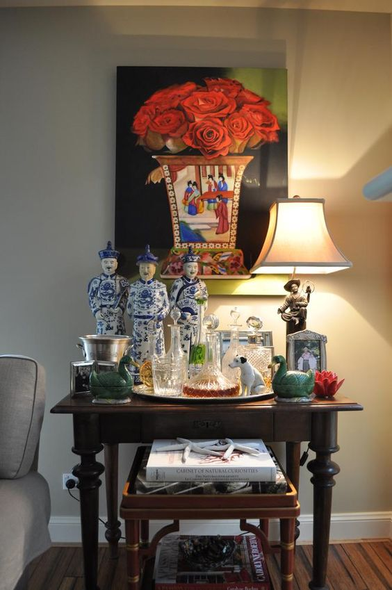 Chinoiserie bar table: