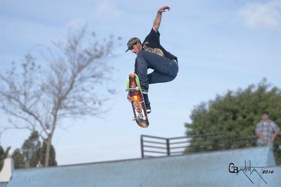 Saltos de skate.