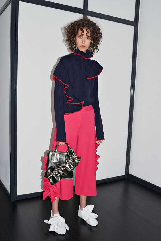 http://www.vogue.com/fashion-shows/pre-fall-2016/msgm/slideshow/collection: