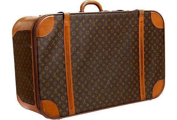 Vintage LV Luggage... Yes please!