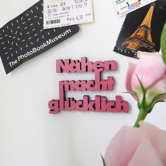 """""""Nähen macht glücklich"""" Deko Holzschriftzug von NOGALLERY 3D Schriftzüge auf DaWanda.com"""