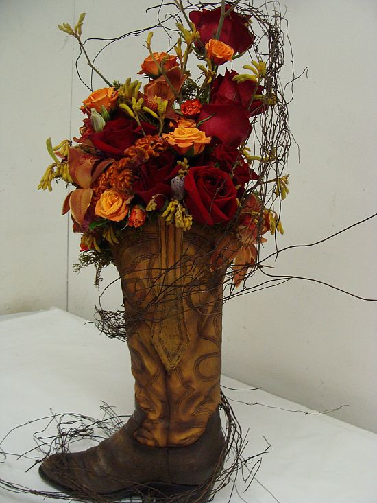 Floral Arrangements Old Boots And Cowboy Boot Centerpieces On Pinterest