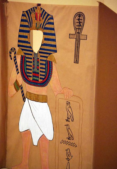 Egypt photobooth... could be adapted for different concepts/eras
