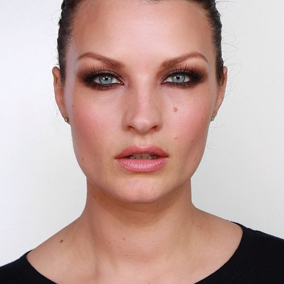 "emma willis eyes ~ ""emma willis tutorial will be live on thursday huge"