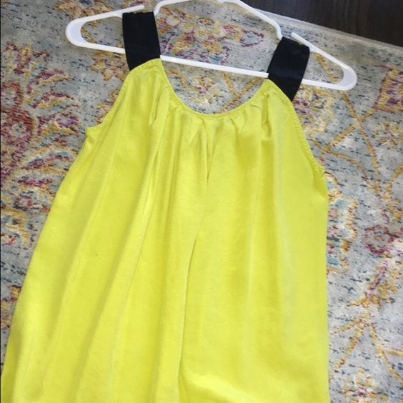 LIME GREEN TOP This shirt is perfect for anyone with a summer vibe! It's a little longer than the picture shows, but it's very cute and light! Tops Blouses