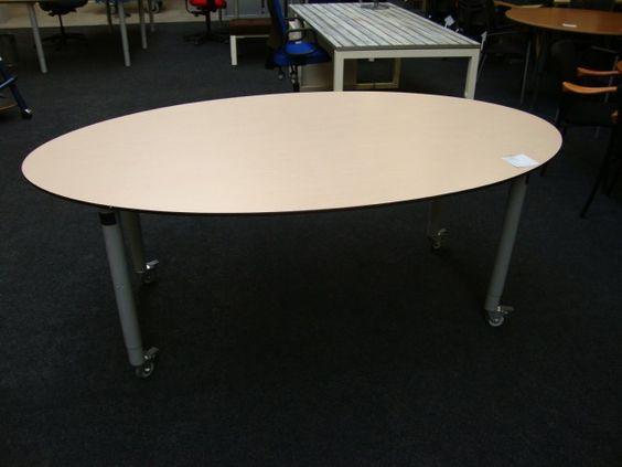 vergadertafel ovaal
