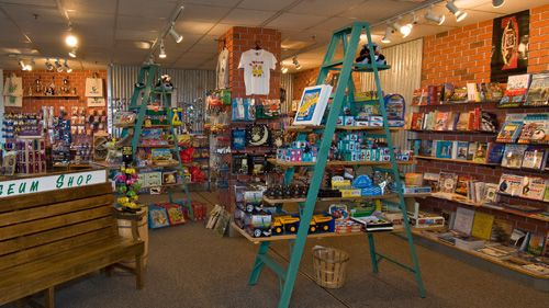 unique gift shop display - Google Search   smackin' cakes ...