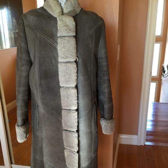Beautiful shearling coat stand up collar