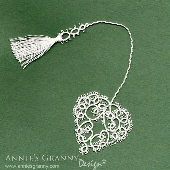 Tatted bookmark - Hearts Desire