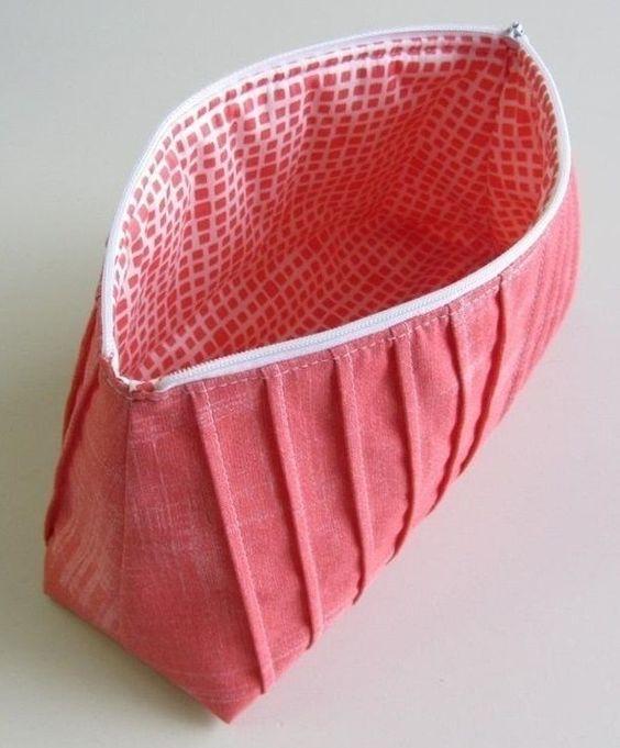 Falten-Kosmetiktasche Reißverschluss Tasche Kosmetiktasche - Schnittmuster und Nähanleitungen bei Makerist