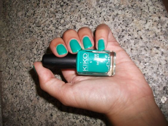 Tartaruga Zeta Fashion & Beauty: Smalto della settimana - Manicure of the week #Beauty , #beautyblogger , #beautyproduct, @kikomilano , #manicure, #nailpolish , #nails , #smalto , #unghie , #verde , #notd
