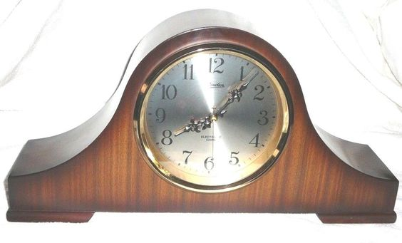 Vintage Linden Electronic Westminster Chime Wood Mantle Shelf Clock Japan