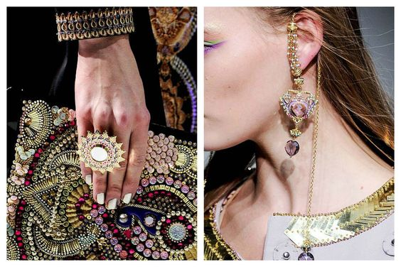 This is the case of Manish Arora collection that stays true to its roots and delves into the wealth of Indian Maharajas.