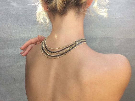 Collana in metallo  // IN CHAINS COLLAR // catena sottile, accessori eleganti, femminile, moda donna by MaisonIvoire #italiasmartteam #etsy