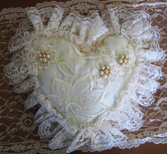 Gorgeous Vintage Victorian Heart Lace Pillow Shabby Chic PRETTY PILLOWS Pinterest Lace ...