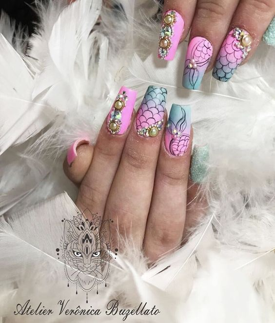 Unhas de sereia: Nail art de sereia