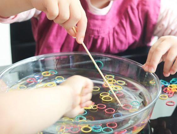 Fine motor skills with rubber bands -  Fine motor skills with rubber bands  #feinmotorik #gummibandern #Kindergarten  - #bands #fine #finejewelry #gemstonejewelry #jewelryart #motor #rubber #skills