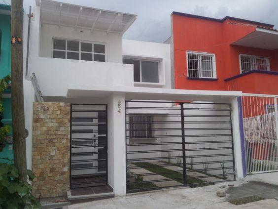 Portones residenciales minimalista buscar con google for Colores para pintar una casa pequena