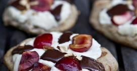 Chocolate Cherry Ricotta Grilled Pizzas from Family Fresh Cooking. Naturally low fat and sweetened with Stevia.: Pizza Recipe, Cherry Chocolate, Ricotta Grilled, Cheese Pizza, Grilled Pizzas, Grilled Desserts, Chocolate Cherry