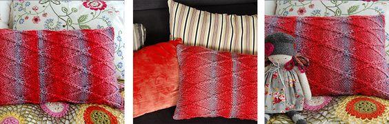 Regalo perfecto para tu hogar: cojín de rombos tejido con lana Caricia Degradé. Paso a paso aquí: http://bit.ly/1LHXQ0R