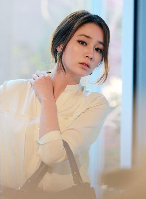 lee min jung VINCIS BENCH                                                                                                                                                     More