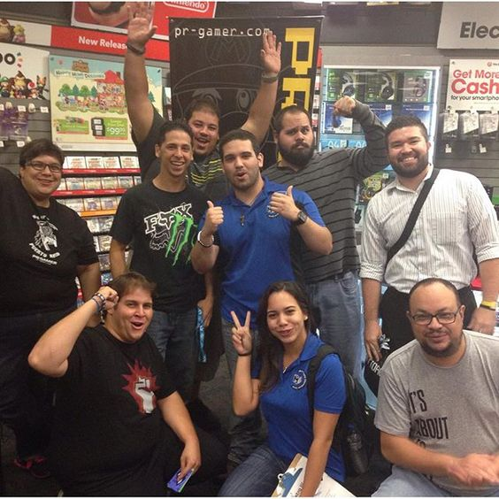 Pick Up Party de #metalgear V por @realprgamer !! #gamestop #gaming #gamers @extralifepr #HideoKojima #MGSVTPP #bigboss