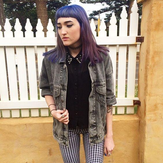 Gloomy days ☁️ #me#ootd#denimjacket#acidwash#studdedcollar#tattoochoker#leggings#checkered#plaid#purplehair#bluehair#colouredhair#fudge#babybangs#microbangs#eyeliner#tattoo#ink#grunge#gothic#edgy#alternative#style#fashion#fashionblogger#nutkaic