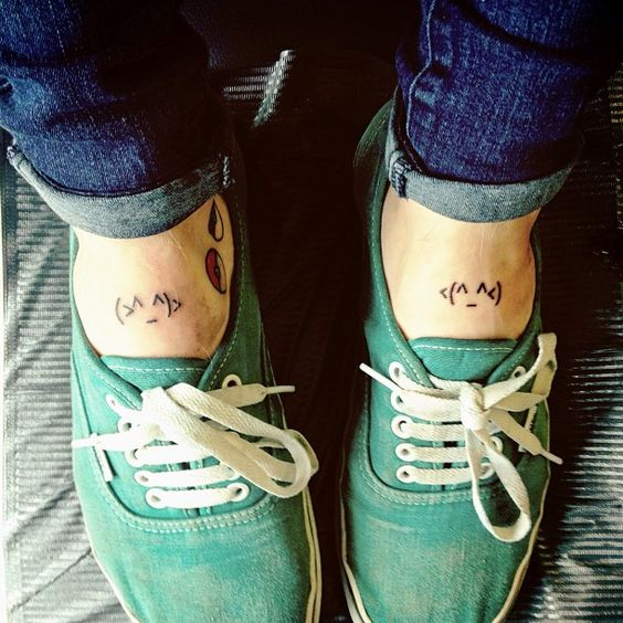 "Patty Walters' ""Little hugging emoticon thingys""  on his feet! :D Super cute!!"