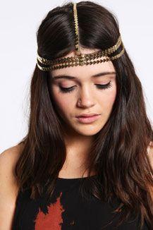 Heart Chain Headband - perfekt für Festivals & den Hippie-Look    Noch tausende andere schöne Sachen findet ihr bei Urban Outfitters...