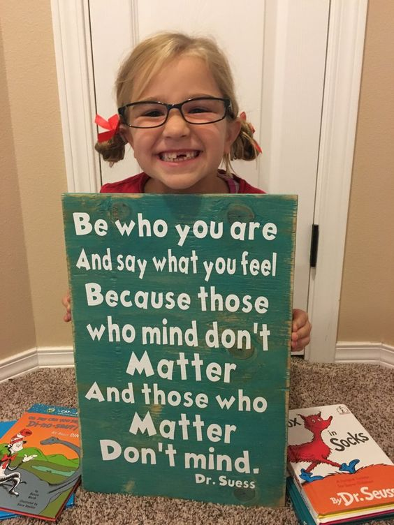 This sign is adorable! Great for class rooms, kids nursery, toddlers bed room or…