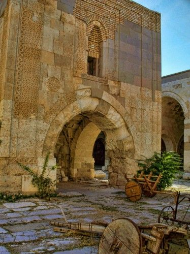 Sultanhani Caravanserai, built in 1229, along the Konya-Aksaray highway in Turkey.: