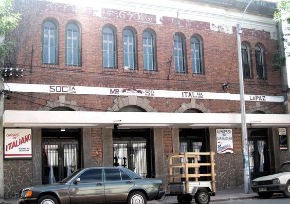 La proposta arriva dalla Società italiana di La Paz e si terrà in autunno del 2014. Questa cittadina ha una storica associazione fondata nel 1895 vista l'altissima percentuale di italiani che hanno popolato queste terre, soprattutto nell'industria tessile e mineraria. Si tratta di una delle città con la maggiore concentrazione di connazionali in Uruguay