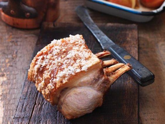 Schweinekarreebraten mit Äpfeln ist ein Rezept mit frischen Zutaten aus der Kategorie Schwein. Probieren Sie dieses und weitere Rezepte von EAT SMARTER!