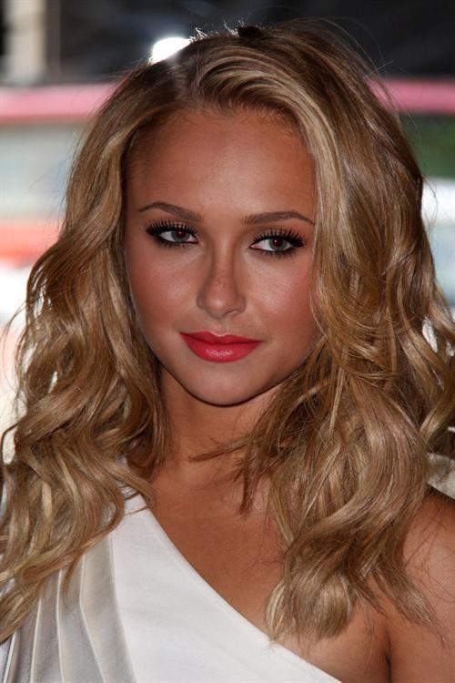 eyebrow looks   Panettiere Makeup Look. Hayden always has that natural makeup look ...