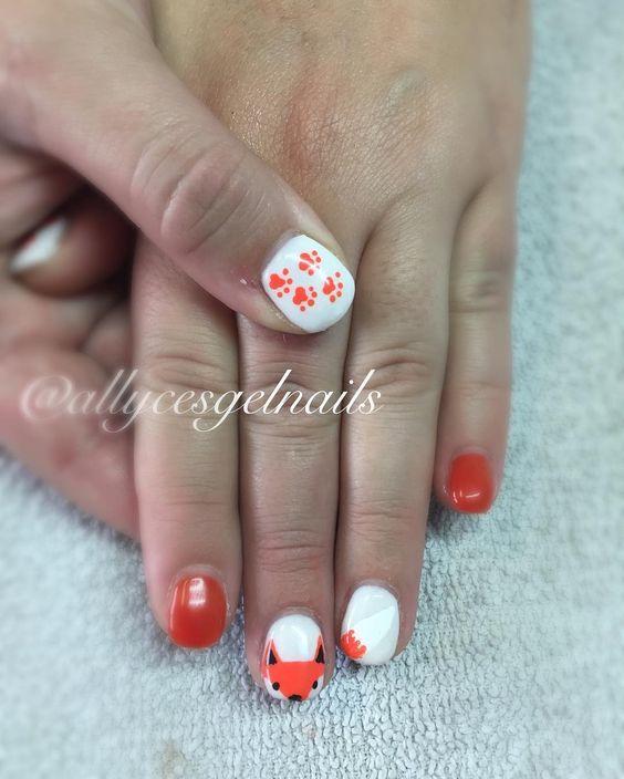Cutest little fox friend 😁🐾#gelnails #handpainted #freehand #nails #nailart #naillife #nailtech #nailsoftheday #nailswag #allycesgelnails #saskatoon #saskatoonnails #yxenails #yxenailtech #halloweennails #fallnails #foxnails #orangenails #freshset