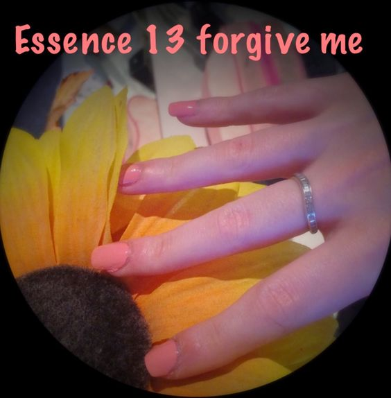 Make-up and Fashion Obsession: Nagellack: Essence 13 forgive me