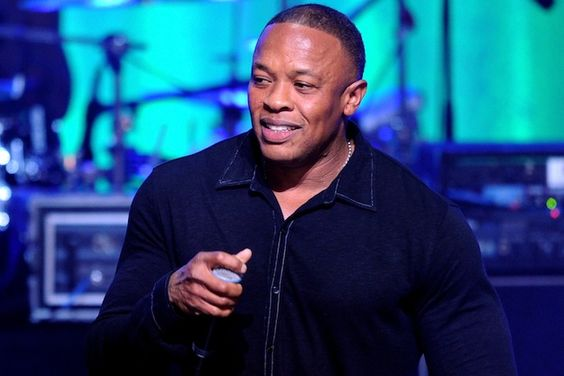 IsDr Dre dropping anew album? Reportly Dr Dre is on the verge of releasing his first studio album of new material since he dropped his second album called '2001' back in 1999. Dre's longtime collaborator Ice Cube – who has also worked with Dre on the forthcoming NWA movie Straight…