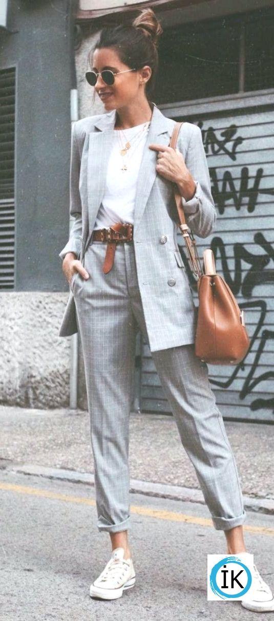 lässiger Büro Stil Perfektion grauer Anzug + Tee + Tasche