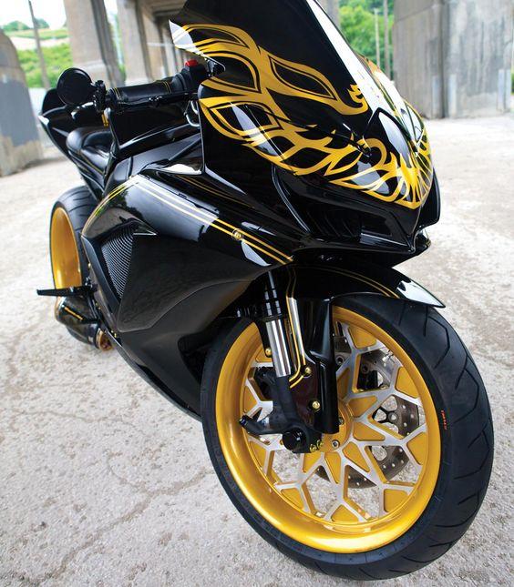 Gsxr 1000 Turbo Grudge Bike: Suzuki GSXR 750 2008 Pontiac Trans Am