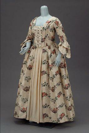 Wedding dress, 1763, USA, silk brocade.